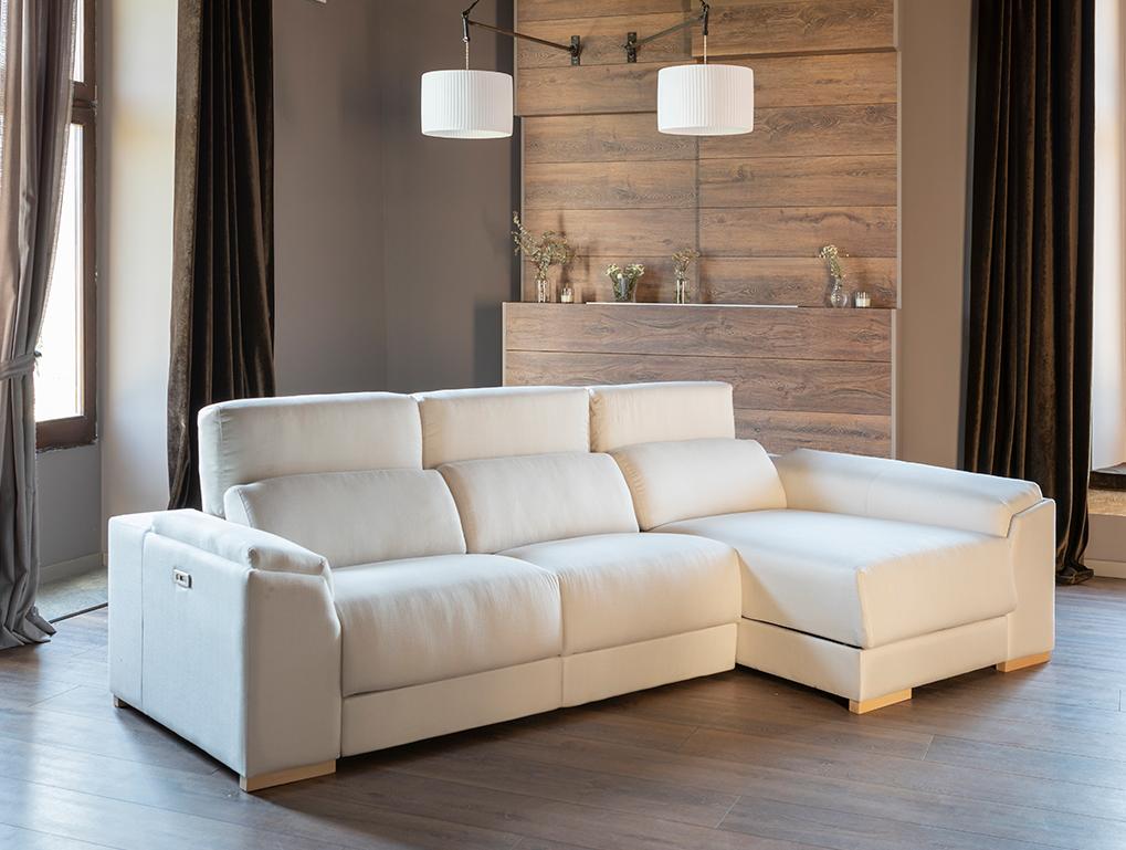 un sofà blanc